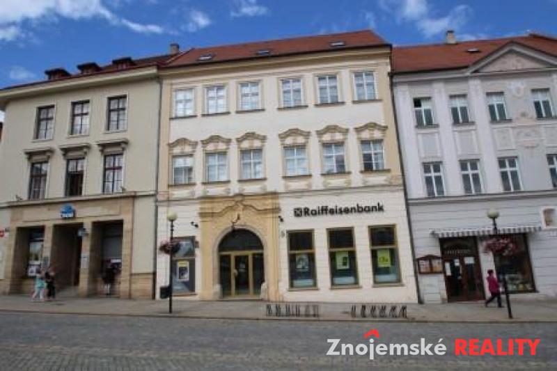 Pronájem bytu 3+1, cihlový - Znojmo - Masarykovo nám.