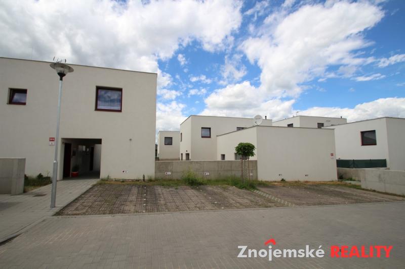 Prodej bytu 3+1 cihla Mansberk