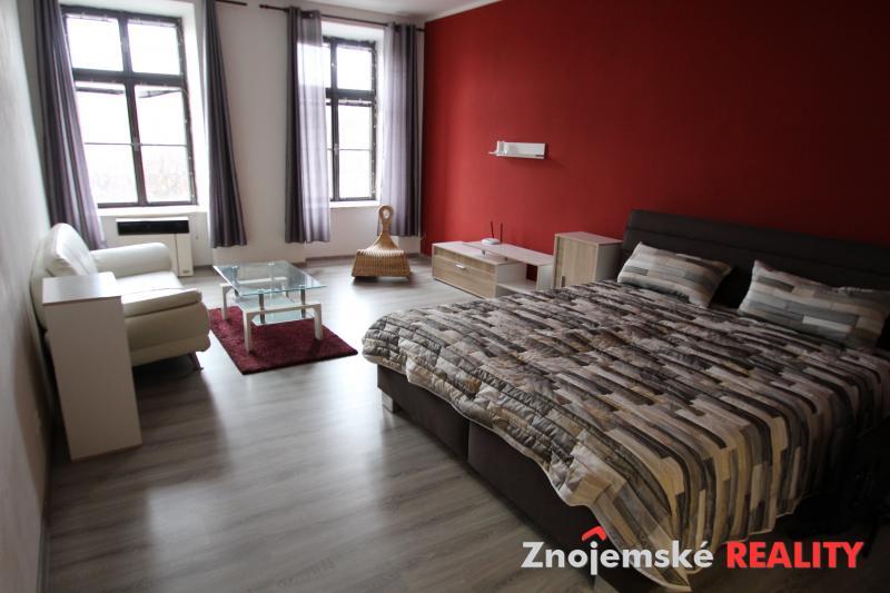 Pronájem krásného  bytu 1+1 zařízený