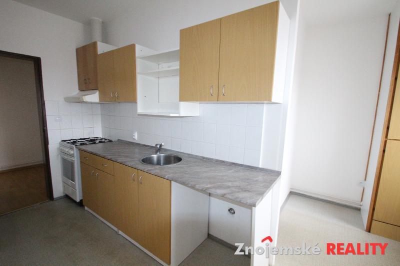 Pronájem prostorného bytu 2+1