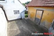 Prodej pěkného domu 2+1 s dílnou a vinným sklípkem